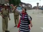 VIDEO: स्वतंत्रता दिवस पर आतंकियों के गढ़ में अकेली महिला बोली 'भारत माता की जय'