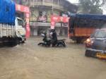 मुंबई बारिश: सरकार ने जारी किए इमरजेंसी नंबर, कहीं फंसें तो डायल करें