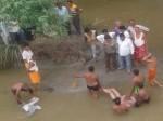 VIDEO: नदी में सेल्फी ले रहे छात्रों की टोली डूबी, 3 की मौत, 2 बाल-बाल बचे