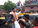 Narendra Modi Birthday:डिप्टी सीएम केशव मौर्य ने लगाया झाड़ू, एक छात्रा बेहोश