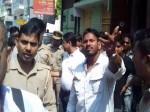 VIDEO: दबंग बीजेपी विधायक के आगे नतमस्तक यूपी पुलिस