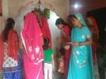 मंदिर में बीजेपी नेता की पत्नी से वारदात, मां दुर्गा के सामने लूटा
