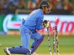 धोनी के लिए मुसीबत लेकर आया ICC का नया नियम, दिला सकता है सजा