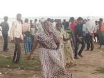 देवी पूजन के लिए गंगाजल लेने गए पांच युवक डूबे, दो की मौत