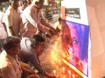 बहुजन संघ ने भी यूपी में बना लिया है गौरी लंकेश को विरोध का मुद्दा, शाहजहांपुर में कैंडल मार्च