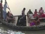 भीषण बाढ़ के बीच चलती नाव में महिला ने दिया बच्ची को जन्म, नाम पड़ा वर्षा