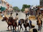 जयपुर हिंसा: हालात काबू में, इंटरनेट पर पाबंदी और कर्फ्यू अभी भी जारी