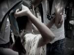 PICs: अकेली लड़की को देख करने लगा प्यार की बातें, फिर सैंडल से थाने तक होता रहा प्यार का इजहार...