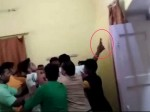 VIDEO: गांधी जयंती मनाने जमा हुए थे भाजपा नेता, लेकिन एक दूसरे पर ही तान दिए तमंचे