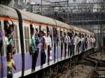 आठ महीने की गर्भवती महिला के साथ मुंबई की लोकल में मारपीट