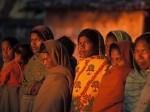 World AIDS Day 2017: भारत में खतरनाक है HIV+ महिलाओं की स्थिति, समाज में भी नहीं मिलती जगह