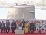 पीएम मोदी ने राष्ट्र को समर्पित की देश में बनी पहली परमाणु सबमरीन INS कलवरी