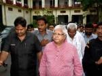 #MakarSankranti: 'दही-चूड़ा' लेकर बिरसा मुंडा जेल पहुंचे लालू के समर्थक
