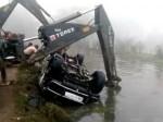 अलीगढ़: तालाब के सर्द पानी में रातभर डूबी रही कार, 7 मरनेवालों में 2 पुलिसकर्मी