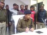 जेवरों की टप्पेबाजी का शिकार हुआ सराफा व्यापारी, पुलिस ने घेराबंदी कर लुटेरों को पकड़ा