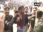 #PadmaavatRow: लखनऊ में दिखा करणी सेना का बेहद विनम्र अंदाज, बनारस में आत्मदाह का प्रयास