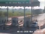 VIDEO: भाजपा नेता ने टोल नाके पर दिखाई दबंगई, कर्मचारी को गुंडों से पिटवाया