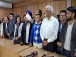 लाभ का पद: AAP विधायकों ने चुनाव आयोग के खिलाफ दी गई अर्जी वापस ली