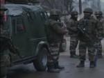 बारामूला एनकाउंटर : पत्थरबाजी की आड़ में एक आतंकी फरार, मुठभेड़ जारी