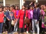 DU का प्रोफेसर लड़की को बुला रहा था मिलने के लिए, छात्रा ने जड़ा सरेआम थप्पड़