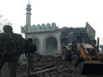 मुजफ्फरनगर: लंबे विवाद के बाद आखिरकार ढहाई गई 10 साल पुरानी मस्जिद
