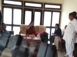 VIDEO: केंद्रीय मंत्री मेनका गांधी ने पब्लिक मीटिंग में अफसर को दी ये वाली गाली....