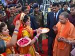 मथुरा पहुंचे योगी आदित्यनाथ ने कहा, 'मैं हिन्दू हूं, मुझे भी धार्मिक स्वतंत्रता का अधिकार है'