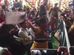 VIDEO: सीएम योगी की सभा में महिला ने जमकर किया हंगामा, चिल्लाती रही मुझे न्याय दिलाओ
