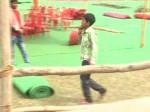 सीएम योगी के कार्यक्रम की तैयारियां, 20 रुपए में बच्चों से कराई जा रही मजदूरी