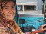 सात बच्चों की मां है ये पाकिस्तानी महिला, इनकी कहानी सुनकर घबराते हैं कठमुल्ले