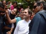 Video: छात्रा ने कहा- सर सेल्फी क्लिक करनी है, मंच से उतर आए राहुल गांधी