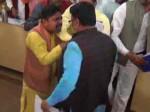 मेरठ नगर निगम की बैठक में बसपा-भाजपा पार्षदों के बीच चले लात घूंसे, देखें वीडियो