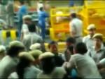 VIDEO: जेएनयू छात्रों के प्रदर्शन में महिला पत्रकार के साथ दिल्ली पुलिस ने की छेड़खानी, छीने गए कैमरे