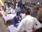 गोरखपुर का परिणाम बना रहस्य, मीडिया को बैन किया गया