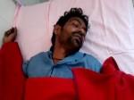 छेड़खानी का आरोप लगाकर महिलाओं ने युवक को पिलाया अपना पेशाब, देखें VIDEO
