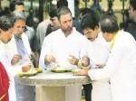 कर्नाटक: इंदिरा कैंटीन में राहुल गांधी ने खाया खाना लेकिन हो गए ट्रोल,  लोगे ने पूछे तीखे सवाल