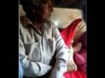 ट्रेन में युवती को गलत तरीके से छू रहा था अधेड़, किसी ने नहीं उठाई आवाज