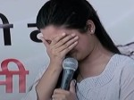 VIDEO: मंच पर फूट-फूटकर रो पड़ीं आप की MLA अलका लांबा, PM मोदी को सुनाई खरी-खोटी