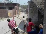 भारत बंद: डॉ. भीमराव अम्बेडकर की मूर्ति क्षतिग्रस्त, सब इंस्पेक्टर को पकड़कर पीटा