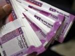Vastu Tips: इन चीजों को रखें घर से बाहर, वरना नहीं टिकेगा धन