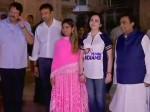 मुंबई इंडियंस की जर्सी में ही अपनी बेटी और दामाद संग भगवान का आशीर्वाद लेने मंदिर पहुंची नीता अंबानी