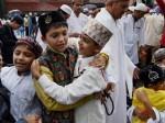 Eid 2018: केरल में ईद आज, नमाज के दौरान शशि थरूर भी रहे मौजूद, देखें तस्वीरें