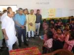 स्कूल चेक करने गए योगी सरकार के मंत्री, खुद सही हिंदी तक नहीं लिख पाए