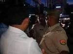 दोस्त की गाड़ी रोकने पर पहुंचे बीजेपी नेता, पुलिस को दी गाली, बाद में उल्टा पुलिस ने मांगी माफी