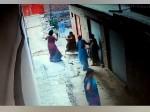 CCTV: छेड़खानी की शिकायत पर भाजपा नेता के परिजनों ने महिला शिक्षक को जमकर पीटा