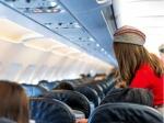 फ्लाइट में सिगरेट पीने से महिला केबिन क्रू ने रोका तो पैंट की चेन खोल गंदी हरकत करने लगा यात्री