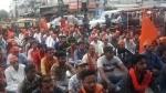 मुरादाबाद: सड़क पर नमाज के विरोध में बजरंग दल ने हाइवे पर पढ़ी हनुमान चालीसा, लगा लंबा जाम