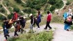 उत्तराखंड: पहाड़ी गांव में घायल युवती को सड़क तक लाने के लिए कुर्सी को पालकी बनाकर 5 किमी चलना पड़ा