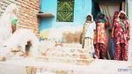 यूपी के इस गांव में मुस्लिमों को कब्र के लिए नहीं मिली रही दो गज जमीन, घरों में ही दफन हो रहे हैं मुर्दे