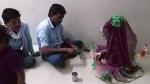 सांप के काटने के बाद इलाज के लिए भर्ती थी महिला, तांत्रिक ने आकर अस्पताल में शुरू कर दिया झाड़-फूंक